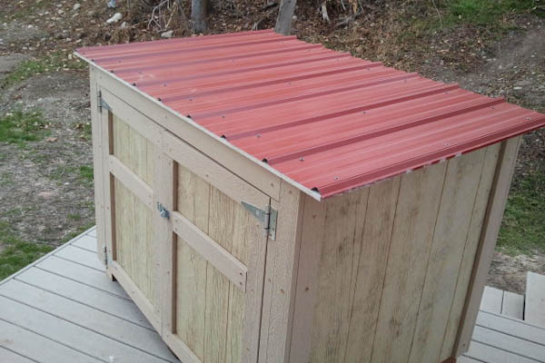 "5'-2"" x 3'-8"" generator shed top view"