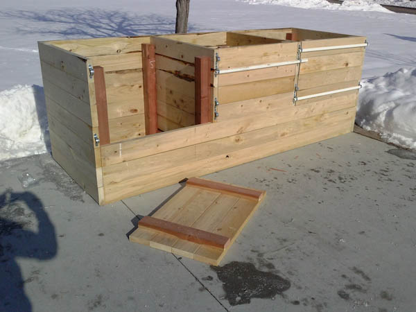 3x9 3 compartment wood compost bin