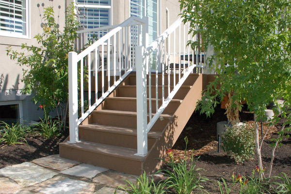 how to build stair for a deck