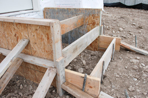 Build Concrete Steps For Your Storage Shed Or Studio