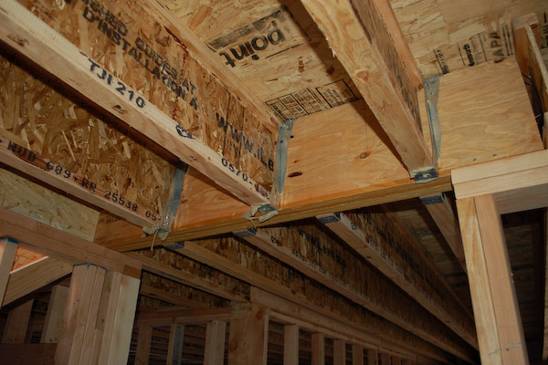 How to build a floor for a house for Floor joist construction