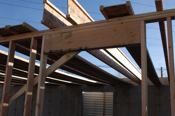 floor joist beam under
