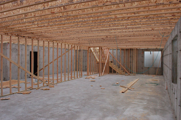 What are floor joists what is a floor joist for Wood floor joist spacing