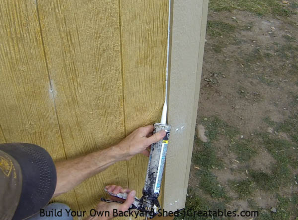 caulk siding joint