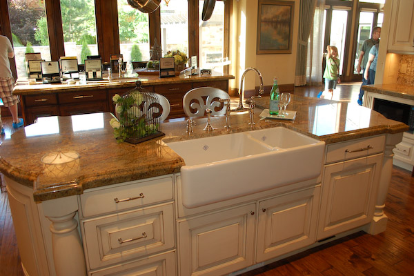 Island Kitchen Sink : the island top using turned legs on this French country kitchen