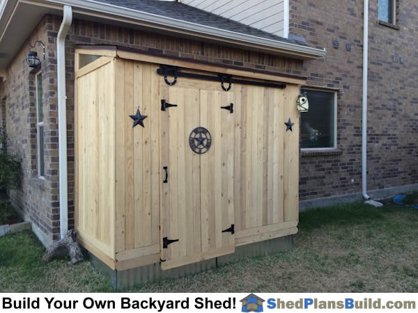 Lean To Shed built with barn door.