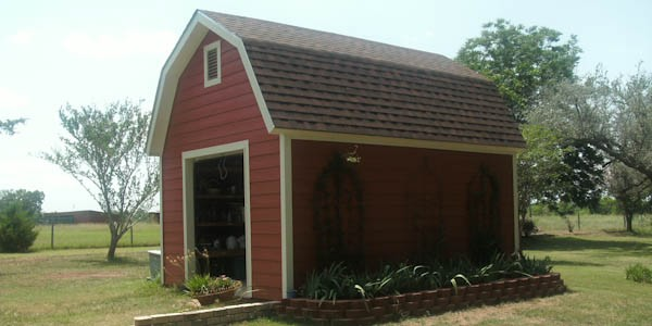 12x16 gambrel with red siding