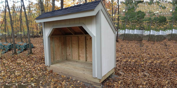 12x16 gambrel with red siding end view
