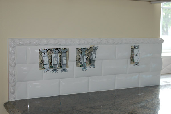 backsplash with trim on